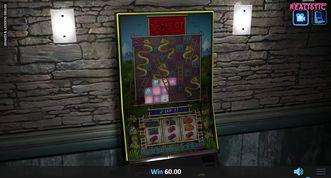 Snakes & Ladders Deluxe Slot